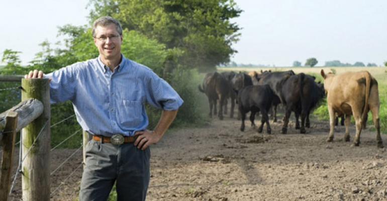 herd health veterinarian as part of beef production medicine