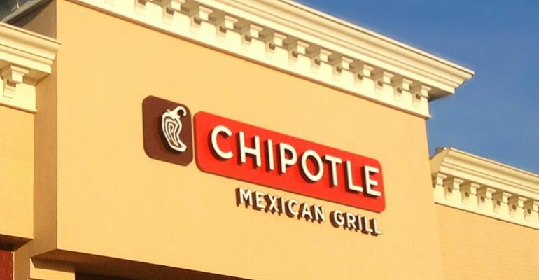5 good reads about Chipotle's bad move to ban GMOs in its stores