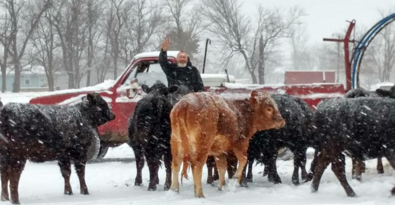 Reader pens Christmas poem; PLUS: Cowboy Christmas contest kicks off